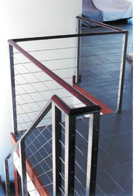 Stainless steel cable railing<br>with mahogony cap